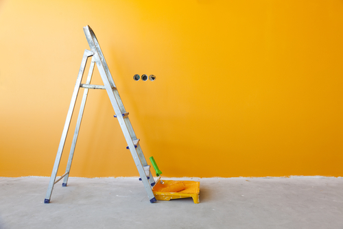 Hiring a Professional Painter Gets You a Good Quality Paint Job and Keeps You Safe | (480) 232-5474